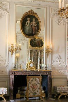062-Chambre à coucher de Mme Adélaïde