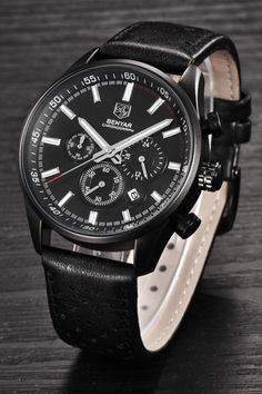 The Wilder leather chronograph watch features a stainless steel 45 mm case and a scratch-resistant hardlex crystal.