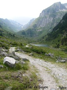 Le vallon du lac de Suyen