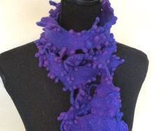 Felt Scarf purple blue vilt sjaal blauw paars van Fabricias op Etsy