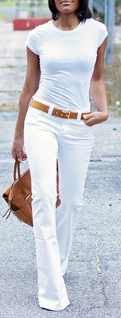 12 ways to style white jeans for summer work outfits - Tap the LINK now to see all our amazing accessories, that we have found for a fraction of the price Mode Outfits, Casual Outfits, Fashion Outfits, Denim Outfits, Fashion Ideas, Woman Outfits, Fashion Trends, Summer Work Outfits, Spring Outfits