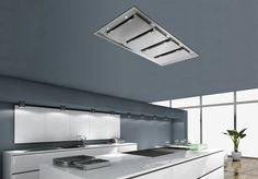 This is a recessed ceiling hood from Frecan, the Inart finished in stainless steel with 8 aluminum filters, 10 LEDs and 4 -speed remotely controlled fan. Kitchen Fan, Kitchen Hoods, Open Plan Kitchen, Kitchen Appliances, Kitchens, Island Kitchen, Ventilation Hood, Stove Vent, Stainless Kitchen