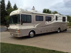 1999 Discovery by Fleetwood http://www.rvregistry.com/used-rv/1009411.htm