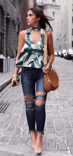 #summer #outfits Printed Tank + Destroyed Skinny Jeans