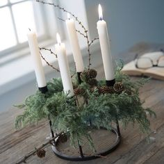 New Inspiration of Christmas Home Decor Table Decorations DIY Christmas Centerpiece Christmas Crafts Christmas Decor DIY Rustic Natural Decoration Home Decor 35 New Inspi. Black Christmas Decorations, Scandinavian Christmas Decorations, Christmas Window Decorations, Christmas Centerpieces, Holiday Decor, Vases En Verre Transparent, Advent Wreath, 242, Decoration Inspiration
