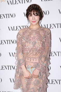 Tiffany Attends Valentino Store Opening Event and Sooyoung Holds Fansign for LLang in Hong Kong Tiffany Snsd, Tiffany Girls, Tiffany Hwang, Snsd Fashion, Pop Fashion, Korean Fashion, Girl Fashion, Girls' Generation Tiffany, Girls Generation
