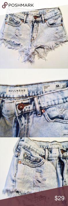 Bullhead high rise denim cut off shorts Sz 0 H585- EUC bullhead denim co. High rise acid wash cut off shorts sz o Bullhead Shorts Jean Shorts