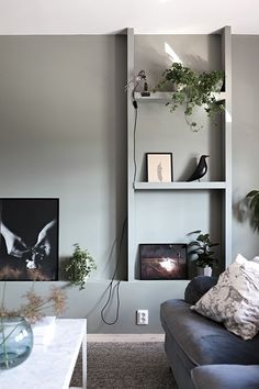 Warm, knus in een mix van stijlen. Van een stukje muur een mooie eye catcher gemaakt Veel grijs, wit en naturel tinten. ...