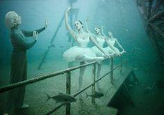 Underwater Exhibition byAndreas Franke... | Elena Kalis