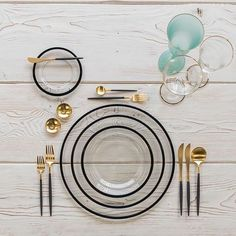 Starting this day off with our Halo Glass Chargers/Dinnerware in Black + Goa Flatware in Brushed Gold/Black + Chloe Gold Rimmed Stemware + Chloe Gold Rimmed Goblet in Tiffany + Gold Salt Cellars + Tiny Gold Spoons Cabinets Chair Room Console Table Cart Place Settings, Table Settings, Setting Table, Gold Flatware, Black Cutlery, Deco Design, Design Food, Deco Table, Modern Table