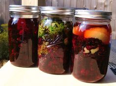 All of these infusions can be made with almost any variety of blackberry. Here in Oregon, we have a local cultivar of blackberry called the Marionberry. This berry is slender and a bit tart, but a… Vodka Recipes, Alcohol Recipes, Whiskey Recipes, Bourbon Drinks, Healthy Recipes, Lemon Liqueur, Marionberry, Homemade Liquor, Blackberry Recipes