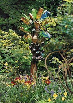 Just love bottle trees..