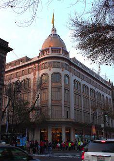 El Palacio de Hierro,la tienda departamental de mayor prestigio en México!!!