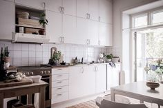 my scandinavian home: Inspiration from a lovely Swedish home in white