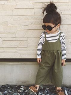 So cute!! I'm going to have to make these overalls