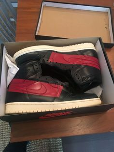 f8462e2a533a NEW-NEVER WORN Air Jordan 1 Retro High OG Defiant Couture Size 11 Black Red