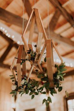 geometric wedding decor - photo by Kristen Curette Photography http://ruffledblog.com/charming-texas-wedding-with-boho-bridesmaids
