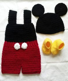 Free Crochet Mickey Mouse Outfit Pattern - Crochet : All About . Crochet Baby Costumes, Crochet Baby Clothes, Newborn Crochet, Crochet Bebe, Crochet For Boys, Knit Crochet, Crochet Hats, Crochet Mickey Mouse, Crochet Disney