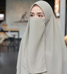 Beautiful Hijab Girl, Beautiful Muslim Women, Arab Girls Hijab, Girl Hijab, Muslim Girls, Mode Niqab, Habits Musulmans, Niqab Fashion, Fashion Art