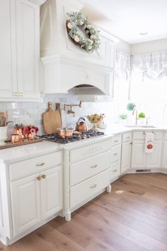 Fall Home Tour with Touches of Mauve and Copper - Styled With Lace Shabby Chic Kitchen, Home Decor Kitchen, Kitchen Interior, Home Kitchens, Kitchen Design, French Country Kitchens, French Country Living Room, French Country Decorating, French Kitchen
