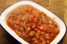 Spicy Baked Beans Potato Toppings, Cooking Ingredients, Baked Beans, Convenience Food, Chana Masala, Spicy, Lunch, Diet, Baking