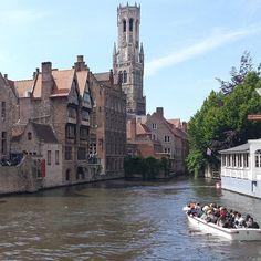 """Quem ja esteve na """"Veneza do Norte"""", sempre pensa em voltar. Temos roteiros toda semana para Bruges, saindo de seu hotel em Paris #paris #bruges #venezadonorte #belgica #passeiodeumdia #cidades #passeiodebarco #guiabrasileira #viajandopelomundo #bhpelomundo #brasilia #errejota #salvador #pernambuco #matogrosso #curitiba #viagens #viagensespeciais #sonho #viajandocomafamilia #viajarepreciso #beminparis #receptivoparis #globalreceptivo"""