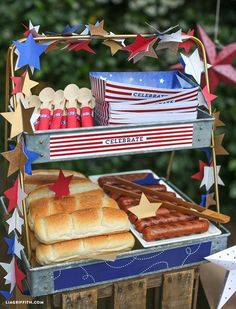 20 Fourth of July Party Ideas that POP! food, party and activities 20 Fourth of July Party Ideas that POP! food, party and activities,DIY summertime 20 Fourth of July Party Ideas that POP! 4th Of July Desserts, Fourth Of July Decor, 4th Of July Celebration, 4th Of July Decorations, 4th Of July Party, 4th Of July Ideas, 4th July Food, Birthday Decorations, Nacho Bar