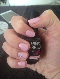 Pink Gellac 122 Baby Pink Tadaaa, nieuw kleurtje uitgeprobeerd. Iris Braamhaar is er helemaal blij mee!