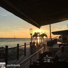 Dinning at @shephardsresort is the best treat you give yourself. Enjoy the sunset enjoy the people watching. Shephard is where party is at.  Repost  from @paulloboda -  #clearwater #oceanflame #sunset #beachfrontrestaurant #seafood #dinner #Regrann