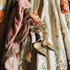 Brides often get confused in deciding what they should wear with their wedding outfits: Flats vs Heels? To help you out and decide what to wear when with your lehenga, saree, suit, and gown bookmar. Wedding Couple Poses, Couple Posing, Wedding Couples, Bridal Footwear, Bridal Flats, Bridal Photography, Photography Poses, Wedding Mandap, Allah