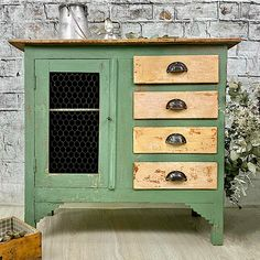 Antes y después: 12 muebles que iban a basura y restaurados son espectaculares Salvaged Furniture, Painted Furniture, Tapas, Bohemian Decor, Boho Chic, Vintage Decor, Chalk Paint, Dresser, Diy