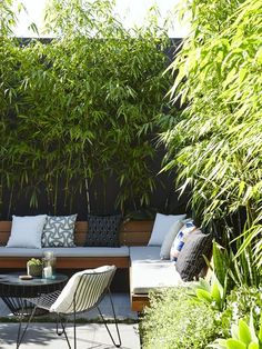 in this beautiful post completed with dozens of nice images you would difficult to match, this is 10 small courtyard garden ideas you could copy for your small garden or backyard space Small Courtyard Gardens, Small Courtyards, Outdoor Gardens, Small Back Gardens, Terrace Garden, Garden Bed, Garden Seating, Outdoor Furniture Sets, Outdoor Decor