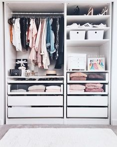 Image about fashion in Room by on We Heart It Wardrobe Room, Wardrobe Design Bedroom, Closet Bedroom, Closet Renovation, Closet Remodel, Room Ideas Bedroom, Room Decor, Closet Layout, Dressing Room Design