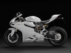 Another view of the #Ducati 1199 Panigale arctic white 2013 model!