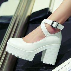 Бесплатная доставка черный / белый 2015 мода женщин высокий каблук туфли на высоком каблуке платформы зубчатые стрэп туфли на платформе для женщин
