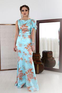 Pretty Dresses, Beautiful Dresses, Long African Dresses, Silk Evening Gown, Casual Couture, Ankara Dress Styles, Girls Dresses, Summer Dresses, Dress Me Up