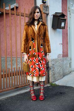 Milan Street Style Is All Gucci, Gucci, & More Gucci +#refinery29 amo ese tapado...y las medias y los zapatos rojos