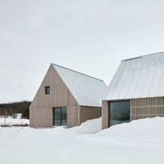 Pelletier de Fontenay Central Building, Haus Am See, Agricultural Buildings, Modern Farmhouse Design, Vernacular Architecture, Architecture Design, Timber Cladding, Gable Roof, Wood Siding