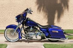 Gorgeous Harley Davidson Touring Bike Custom Bagger. (p.s. Personally, I don't believe in lane splitting)