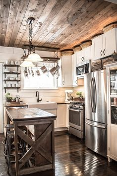 A small kitchen renovation that uses simple and easy DIY projects to maximize the space. 12 storage solutions to create an organized and efficient kitchen regardless of the size. See what we used in our tiny farmhouse style kitchen. Small Kitchen Renovations, Kitchen Remodeling, Remodeling Ideas, House Remodeling, Small Kitchen Makeovers, Rustic Renovations, House Renovations, Farmhouse Kitchen Island, Rustic Farmhouse