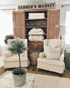 9 great living room hutch images furniture refurbished furniture rh pinterest com