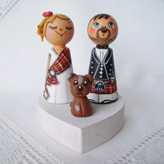 Personalized custom wedding party kokeshi Scottish tartan kilt plaid skirt cake topper bride groom dolls anniversary dog pet lover heirloom wedding favor favour anniversary gift mr and mrs toppers wedding figurines bridesmaid groomsmen cake decoration dog cat pets dolls cute kokeshi topper happy funny topper keepsake animals traditional ethnic