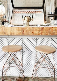 Home Decorating DIY Projects: tile backsplash pattern // copper wood stools Restaurant Design, Deco Restaurant, Copper Restaurant, Outdoor Kitchen Countertops, Kitchen Tiles, Dark Countertops, Kitchen Wood, Kitchen Island, Outdoor Kitchen Design