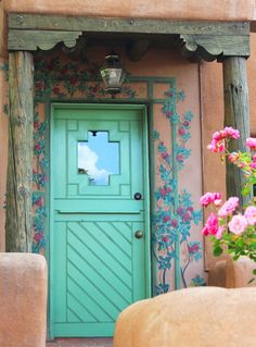 Southwestern Decor: Wooden Doors http://www.southwestdiscovered.com/southwestern-decor-wooden-doors/