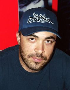 Aaron Lewis of #Staind