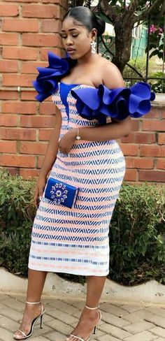 Kente styles are trending. Get yours today for the perfect kente dress style Kente styles are trending. Get yours today for the perfect kente dress style Short African Dresses, African Inspired Fashion, Latest African Fashion Dresses, African Print Fashion, Nigerian Fashion, African Women Fashion, Nigerian Clothing, African Clothes, Ankara Fashion