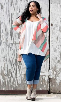 Life Styled Look 69: Kick Back In Kylie #swakdesigns #Curvy #PlusSize