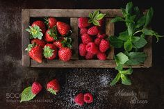 Pic: Fresh Berries and Mint