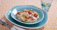 Plate up Patchwork Cactus' Tomato & Chorizo Linguine to impress your guests. This recipe is from Patchwork Cactus. Fall Recipes, My Recipes, Dinner Recipes, Cooking Recipes, Bacon Pasta, Pesto Pasta, Creamy Pasta Dishes, Linguine Recipes, Best Italian Recipes