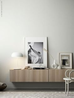 Hall inspiration from IKEA. The IKEA BESTÅ cabinets are perfect for the hall, but I also love the IKEA IVAR cabinets. Ikea Interior, Scandinavian Interior, Living Room Interior, Home Interior Design, Interior Styling, Living Room Furniture, Living Room Decor, Scandinavian Style, Modern Furniture